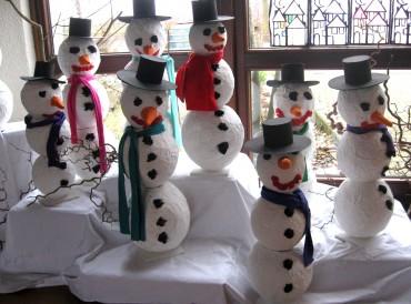 10 Schneemänner
